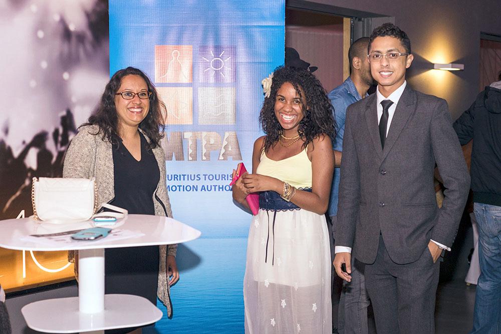 Joan Lamy, Tourist Information Officer à la Mauritius Tourism Promotion Authority, Yvette Dantier, chanteuse, Pascal Leblanc, Outlet Manager du Backstage, Hennessy Park Hotel.