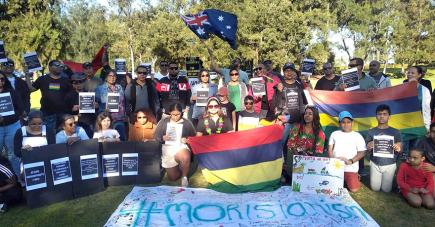 Alors que des Mauriciens marchaient dans les rues de Mahébourg, des compatriotes se rassemblaient aussi dans d'autres parties du monde, notamment à Paris et à Perth, en Australie.