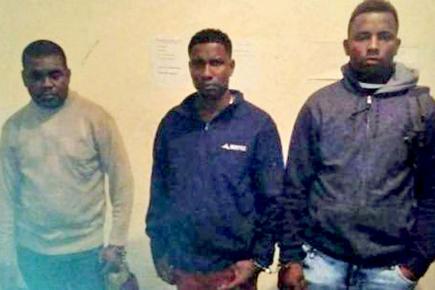 Les trois Mauriciens arrêtés.
