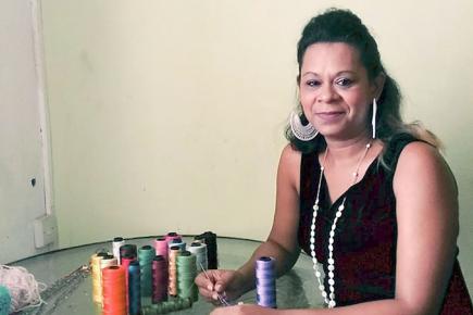 La mère de famille crée ses bijoux sur commande. Les modèles sont d'ailleurs visibles sur sa page Facebook Bijoux Craquantes.