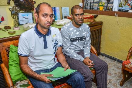 Johan Rivière et Didier Sooben soupçonnent un Mauricien de les avoir menés en bateau.