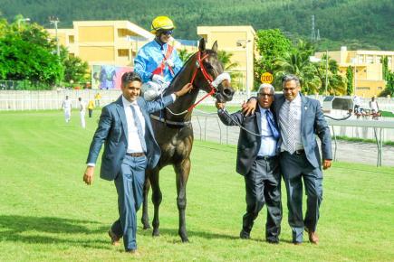 Ramapatee Gujadhur, 72 ans, a eu un beau cadeau d'anniversaire avec une 6e victoire dans la Duchesse grâce à Ready To Attack.