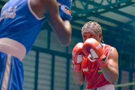 Révélé en 2009, John Colin a combattu toute une flopée de boxeurs durant sa carrière, notamment en élite.