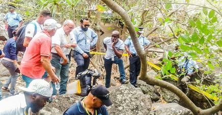 Des fouilles  archéologiques se poursuivent à Saint-François , à Rodrigues, sous forte  protection militaire.s
