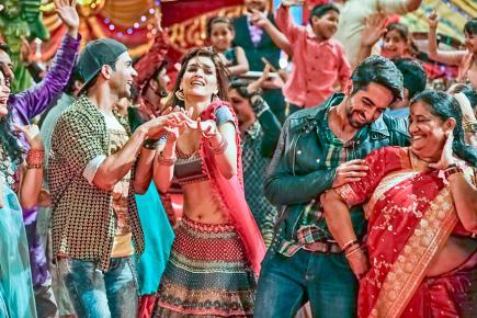 Ayushman Khurana, Kriti Sanon et Rajkumar Rao composent le trio romantique de ce film.