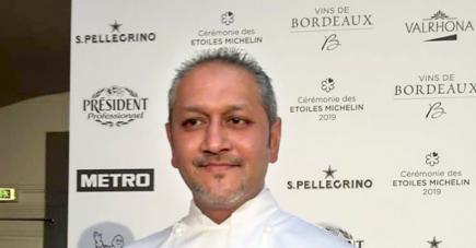 Le chef Bowanee lors de la cérémonie des étoiles Michelin 2019.