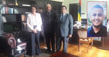 Elvis Eléonore en compagnie du président de la République et de l'ambassadrice de Maurice à Madagascar.