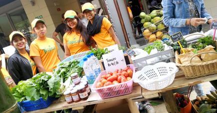 La bonne humeur et la satisfaction étaient de mise pour le premier Organic Farmers' Market.