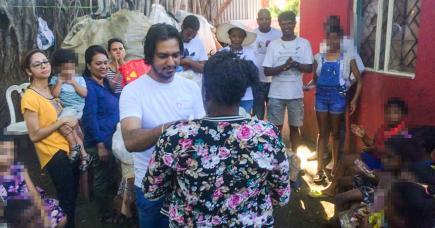 L'association organise régulièrement des remises de dons pour les familles en difficulté.