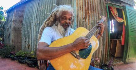 I Il sera sur scène lors du Festival Seggae Zwe.