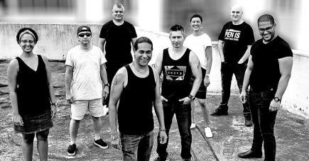 Une bande soudée pour un hommage qui promet de l'émotion et du rock.