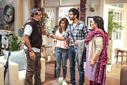 Paresh Rawal va jouer les trouble-fête au sein du couple incarné par Karthik Aaryan et Kriti Kharbanda.