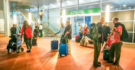 La compagnie aérienne a connu une semaine mouvementée entre vols annulés, grogne des passagers, griefs des pilotes, limogeages et menaces de déportation.