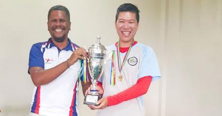 Même s'il s'est mis à fond dans sa discipline de prédilection sur le tard, Didier Ng (à droite) n'a pas eu a attendre longtemps pour s'affirmer.