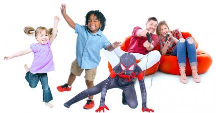 Il est important pour les enfants de pratiquer une activité physique régulière pour garder la forme.