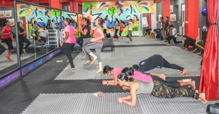 Le P90X comprend plusieurs exercices pour la construction musculaire de votre corps.