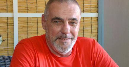 Le passionné de bois présente son travail sur la page Facebook DG Creation.