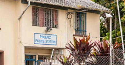 Nasser Hosseny avait sollicité l'aide des officiers du poste de police de sa localité après avoir reçu un appel inquiétant de son fils le mercredi 30 septembre.