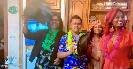 Nora et sa famille ont fait briller les couleurs de Maurice dans l'émission Tous en Cuisine de Cyril Lignac.