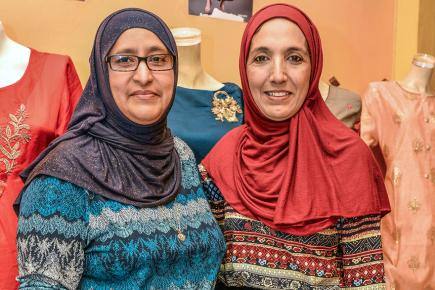 Nazma Mungroo et sa cousine Shenaaz n'ont qu'une hâte: se réunir en famille pour les festivités.