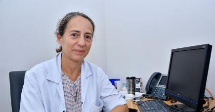 La pneumologue Nolwenn Davy souligne que les méthodes dépendent du degré de dépendence du patient.
