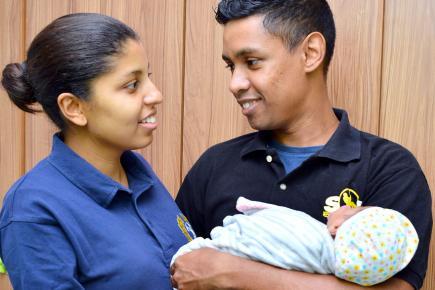 Les heureux parents nous présentent leur petite Zya.