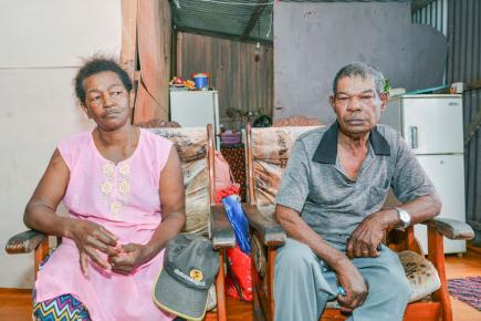 Daniella et Ramesh, les parents de Jean Ally Edouard, pansent  leurs blessures tant bien que mal.