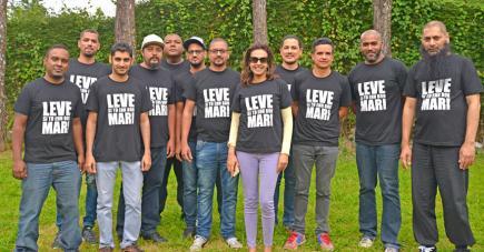 Pria Thacoor, directrice de l'agence, entourée de ses «boys».
