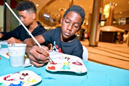 Des jeunes qui se forment au théâtre, à la musique, au chant ou encore à la danse pour un futur artistique prometteur.