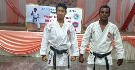 Taro Kasuya en compagnie de Rishi Bundhoo, président de la SMAF.