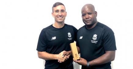 Il est le tout premier coach mauricien à être honoré par le club anglais.