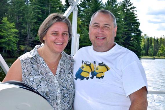 La Mauricienne en compagnie de son époux, Todd Bucholz.