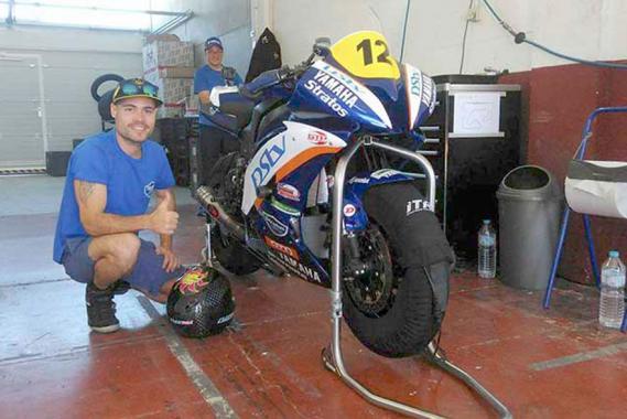 «La moto est super puissante, un p'tit peu plus que la catégorie 2, mais avec un style de pilotage moins technique.»