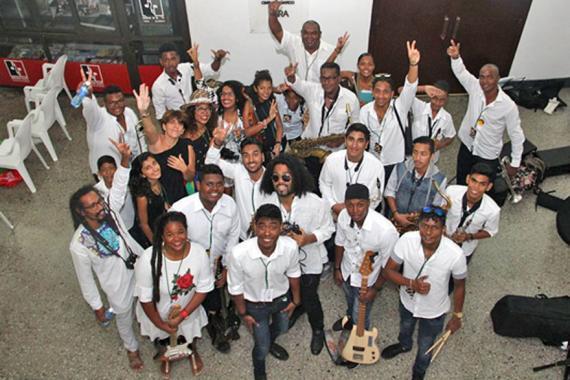 Plus heureux que jamais, les jeunes sont fiers d'avoir fait flotter le quadricolore à Cuba.