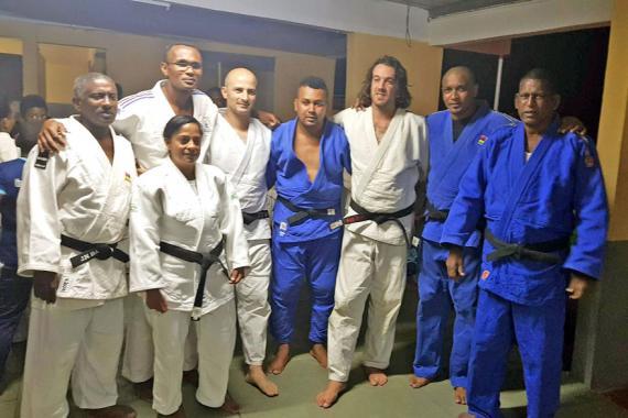 Le JCO 974 a rencontré plusieurs clubs portlouisiens durant son séjour comme c'était le cas avec le Club Fraternel de Cassis.