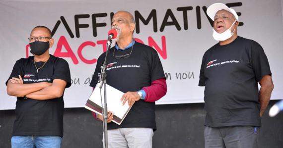 Le groupe Affirmative Action poursuit son combat.