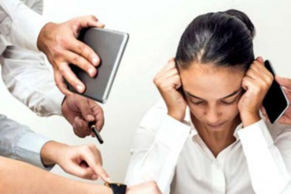 Selon la psychologue Leena Soobrayen, il est primordial de trouver un juste équilibre entre le travail et la vie privée afin d'éviter un burn out.