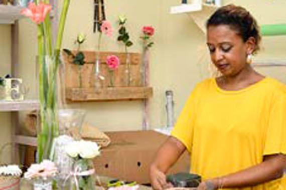 Cindy a donné un nouvel élan à sa carrière de fleuriste en ouvrant Elda Design Floral.
