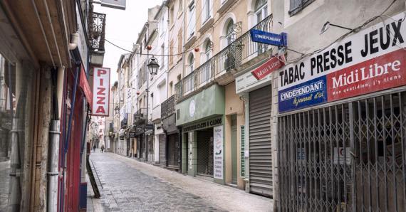 Face aux restrictions, les commerçants craignent pour leur avenir.