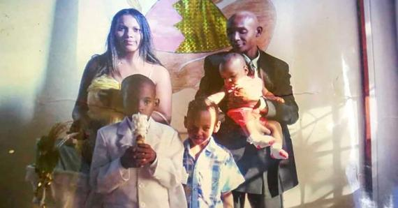 Le couple a déjà trois fils et avait hâte d'accueillir les deux nouveaux membres de la famille.