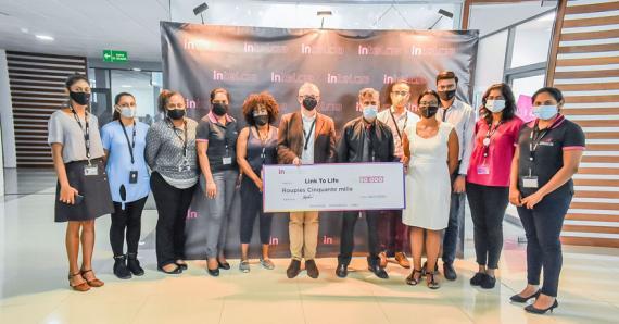 Toute l'équipe d'Intelcia s'est mobilisée contre le cancer du sein.