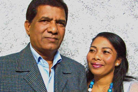 Son épouse Tanjona l'épaule dans ses nouveaux projets.