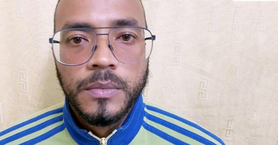 Ce jeune homme de 29 ans a été arrêté avec, en sa possession, de la drogue et une forte somme d'argent.