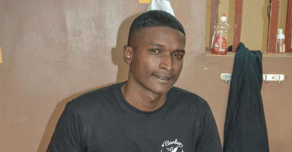 Jeremy Fanny a monté Barber King afin de pouvoir aider, à sa manière, les jeunes de sa communauté.