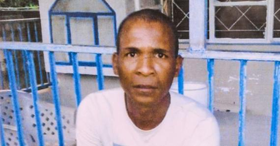 David William a été tué d'un coup de couteau à la poitrine.