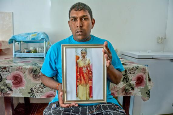 Après la mort de sa femme, le père de famille montre du doigt le personnel soignant de l'hôpital de Rose-Belle.