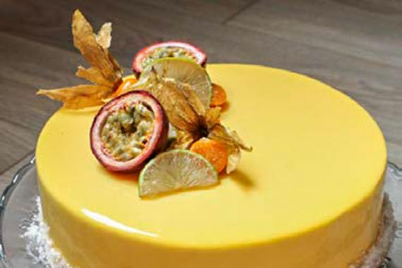 Entremets fruits de la passion et mangue