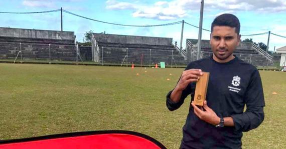 L'ex-international mauricien a été élu Best Coach de juillet.