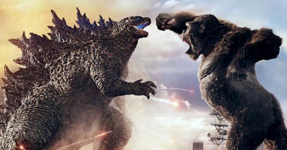 Des êtres humains qui se faufilent dans un gros match entre deux créatures gigantesques!