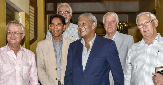 Le nouveau board des administrateurs. De g. à dr. : Paul-France Tennant, Rajesh Servansing, Anoop Madhow, Kamal Taposeea, Denis de Spéville et Frantz Merven.